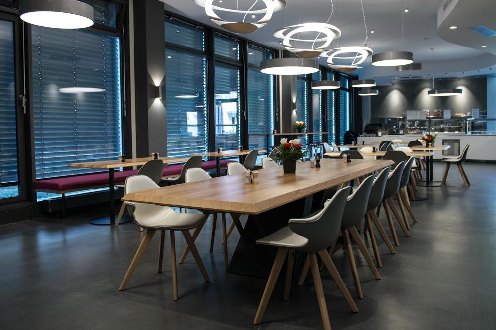 referenzen gastronomie und kino lcr beleuchtung gmbh. Black Bedroom Furniture Sets. Home Design Ideas